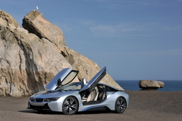 BMW_i8_Automotive_Rhythms_Doors-Up