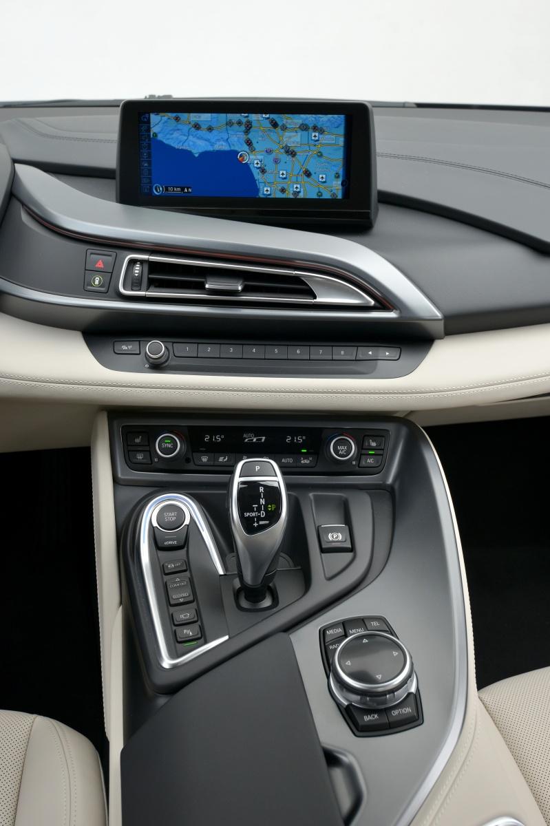 BMW_i8_Interior_Automotive_Rhythms