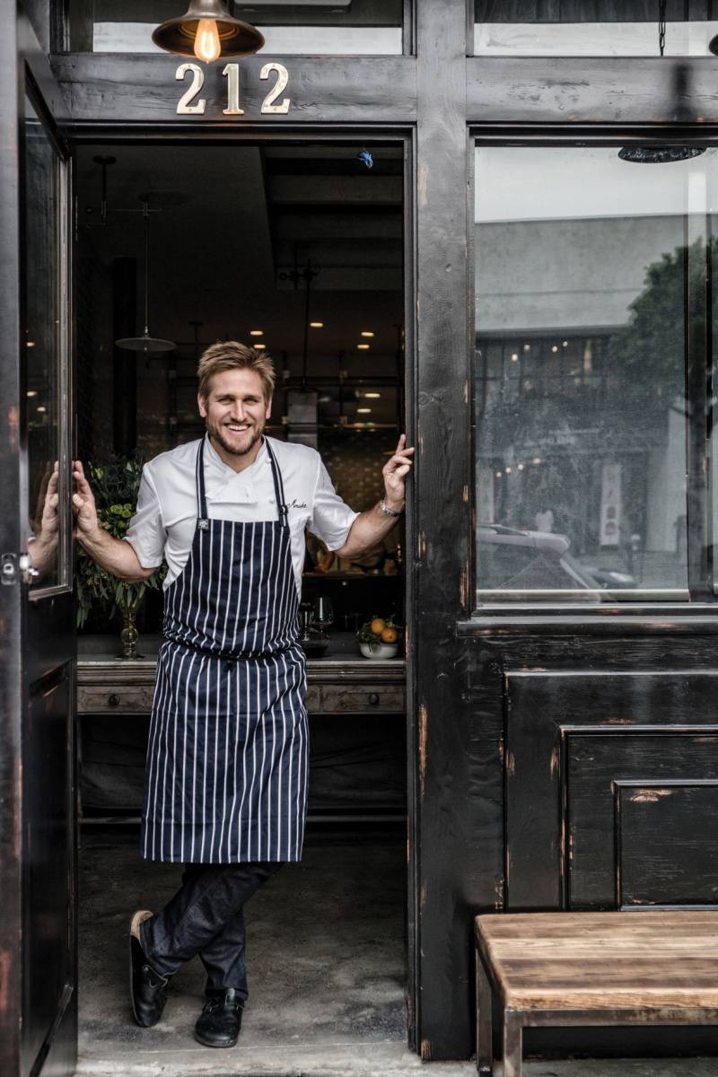 Curtis-Stone_Maude_Doorway_Full-Page-Hi-Res_credit-Ray-Kachatorian