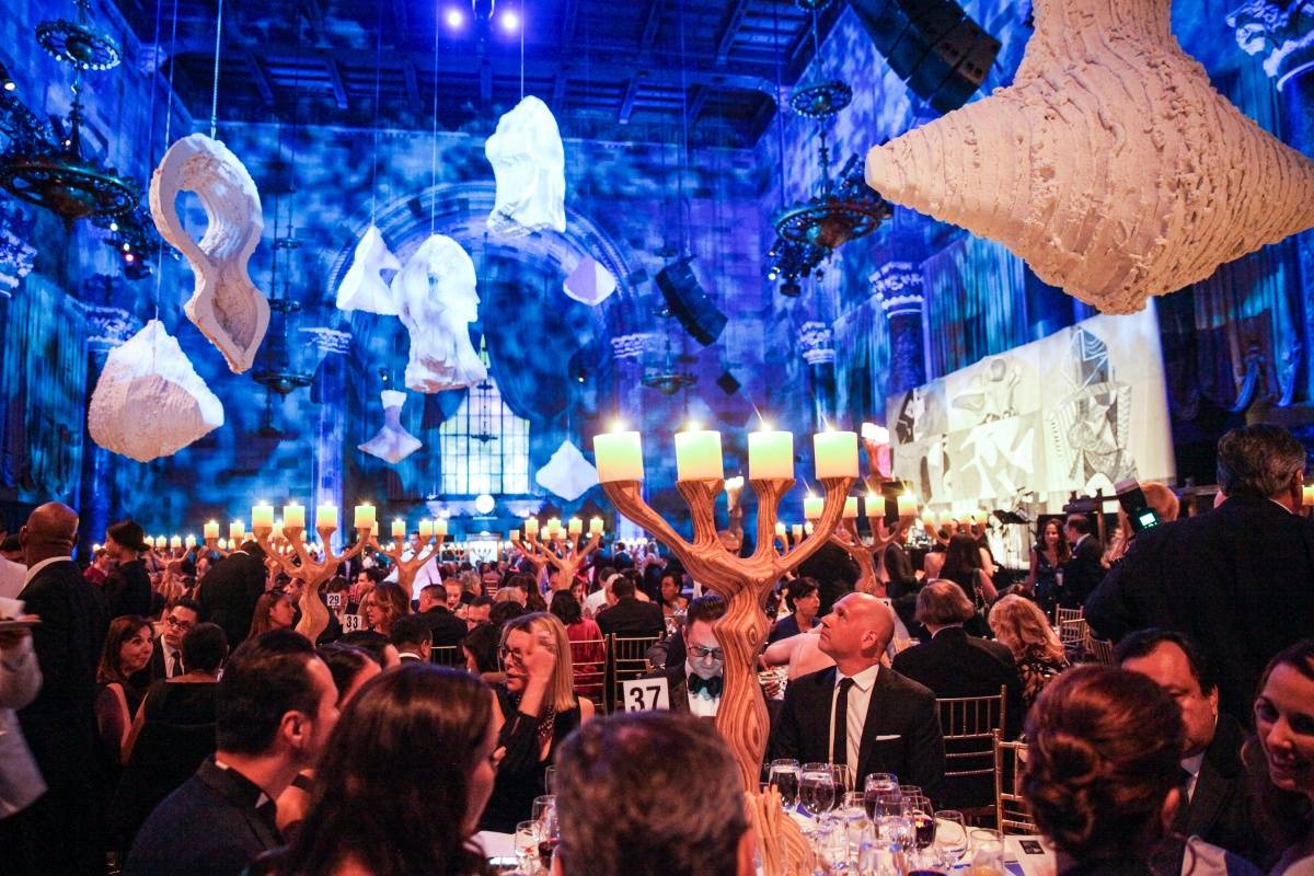 EL MUSEO Gala 2014-Mospher, Art Intervention by Ray Smith