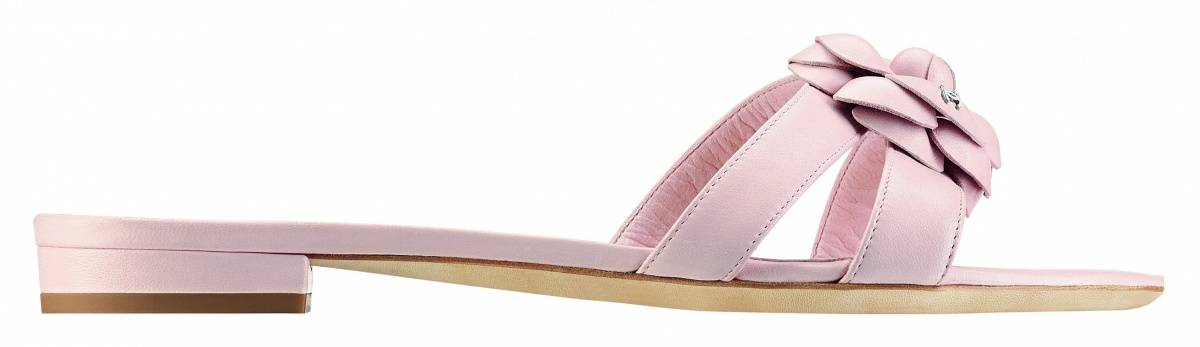 VERDURA BASKETWEAVE RING www.verdura.com Chanel 16-Light pink leather sandal_Sandale rose clair en cuir