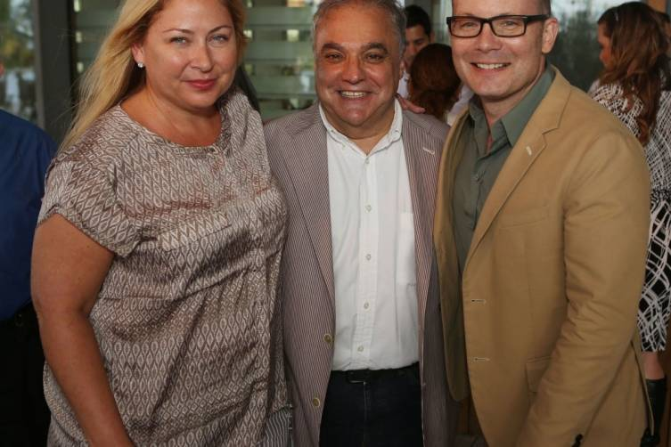 Leann Standish, Lee Brian Schrager & Thom Collins - Photo World Red Eye