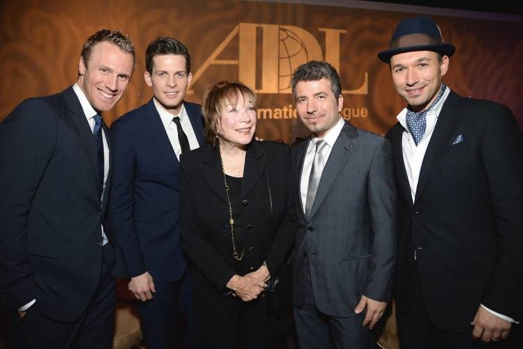 MacLaine with THE TENORS