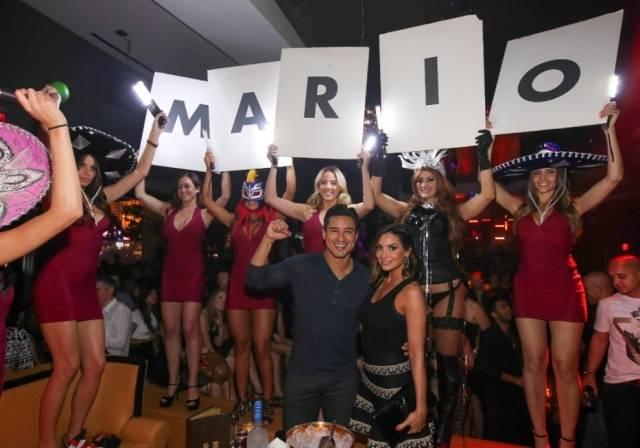 Mario Lopez & Courtney Mazza Lopez at Hyde Bellagio, Las Vegas - 5.3.14 (2)