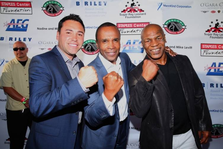 Oscar delaHoya SRL Mike Tyson at SRL Foundation Charity Boxing Night - Getty