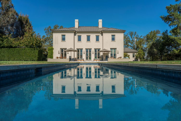 Modern Country Villa - Sotheby's RealtyPicture 6