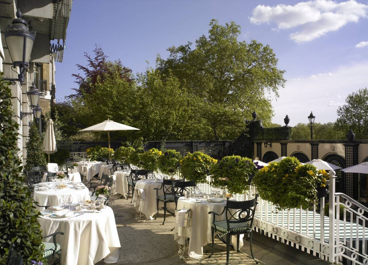 Introducing the garden bar champagne terrace at the ritz for Terrace hotel restaurant