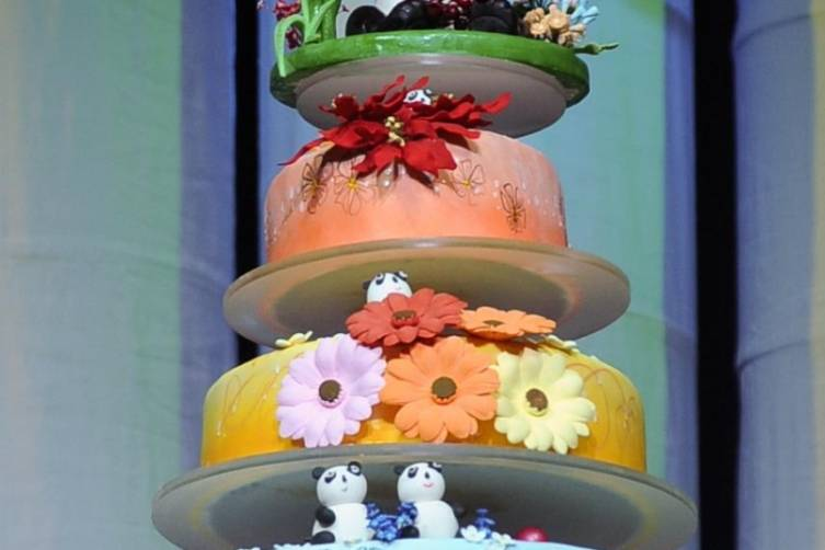 Venetian Palazzo Pastry Team Presents PANDA! with Cake in Honor of 100th Show_Credit_Joseph Donato_Cashman Photo