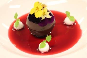 wpid-Valrhona-Chocolate-Sphere_1.jpg