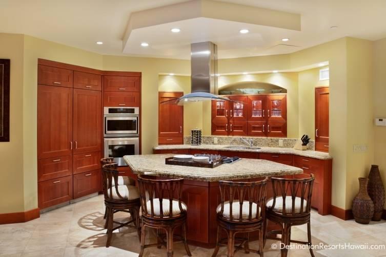51028653-H1-E102_Kitchen