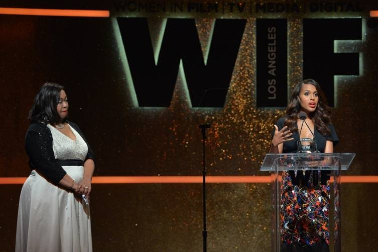Kerry Washington and Shonda Rhimes onstage at WIF 2014 Crystal + Lucy Awards presented by MaxMara, BMW, Perrier-Jouet, South Coast Plaza - Getty Images