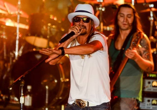 Kid Rock Performs at Boulevard Pool at The Cosmopolitan of Las Vegas. Photos: Brenton Ho
