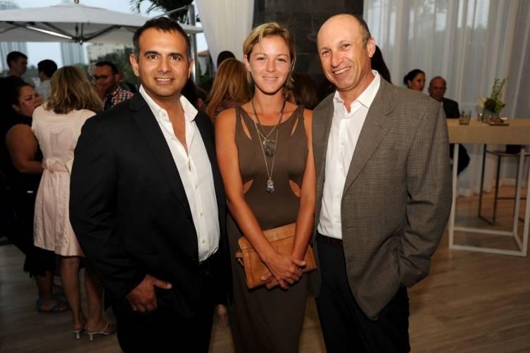 Ophir Sternberg, Tatiana Blanco, & Ricardo Dunin1