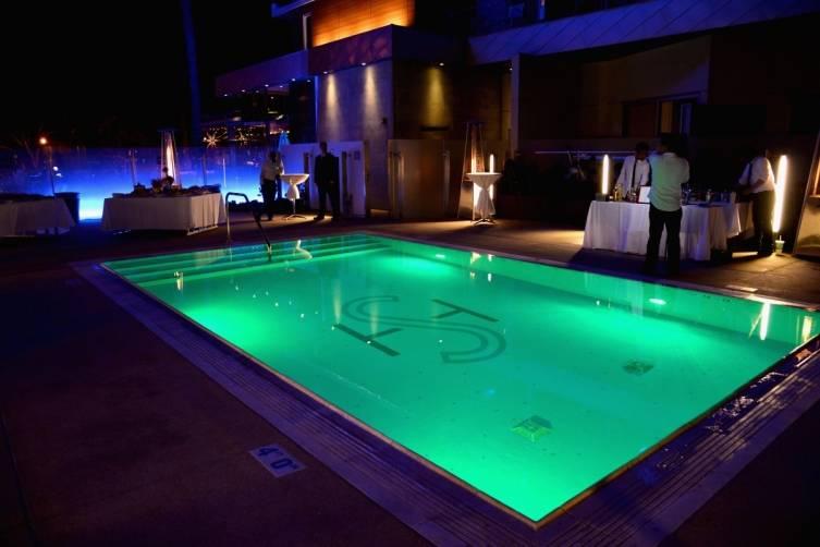 Shore pool