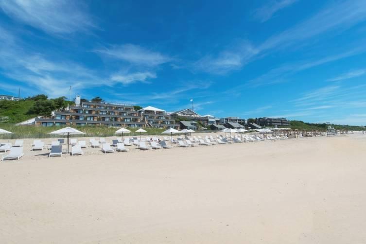 FilipWolak-Gurneys-BeachFront-9407_processed