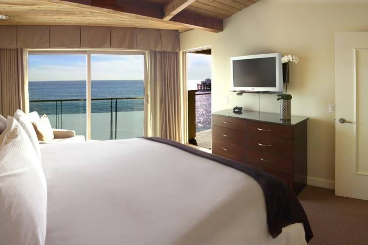 K1B Bed with View