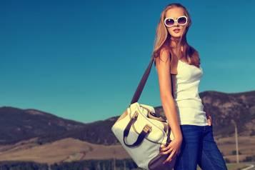 woman-vacation-bag-large