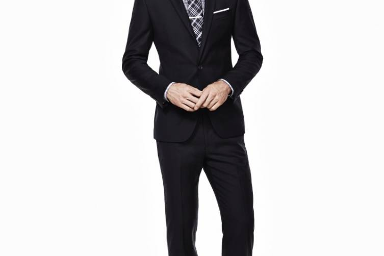 Ryan Seacrest Distinction Look 5