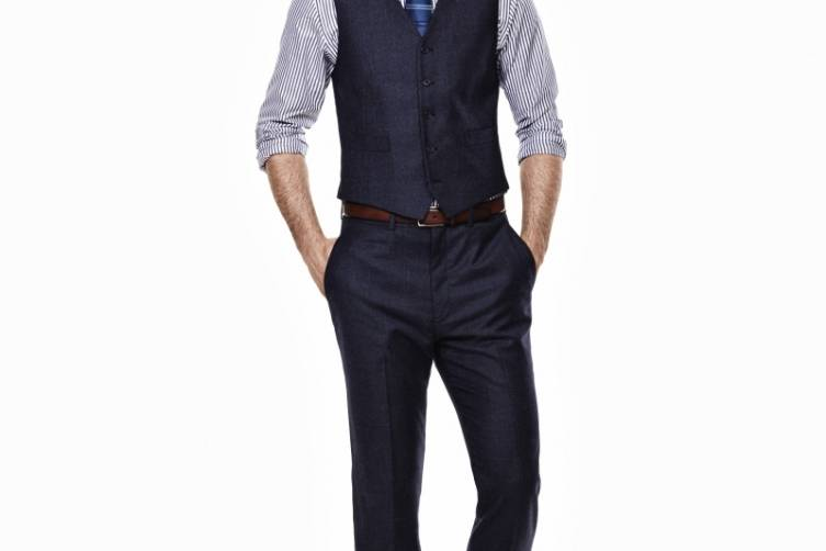 Ryan Seacrest Distinction Look 2