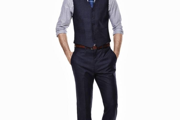 Ryan Seacrest Distinction Look 2