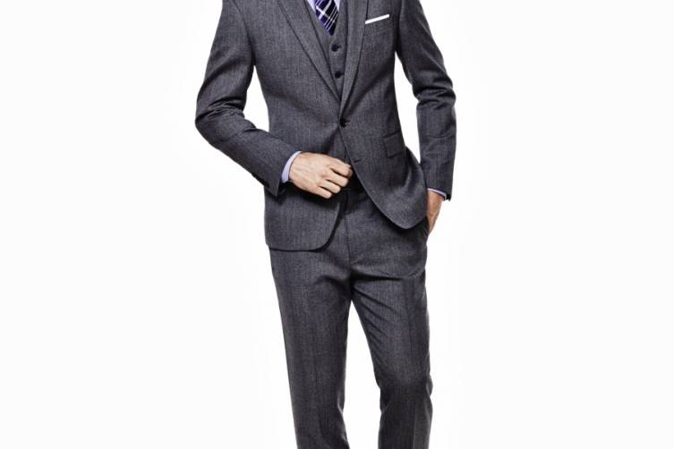 Ryan Seacrest Distinction Look 4