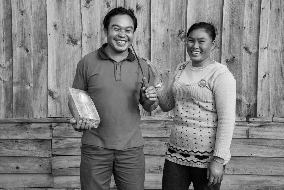Ban Naphia - Vhanthone and Xiengpeth making spoons for 14 years