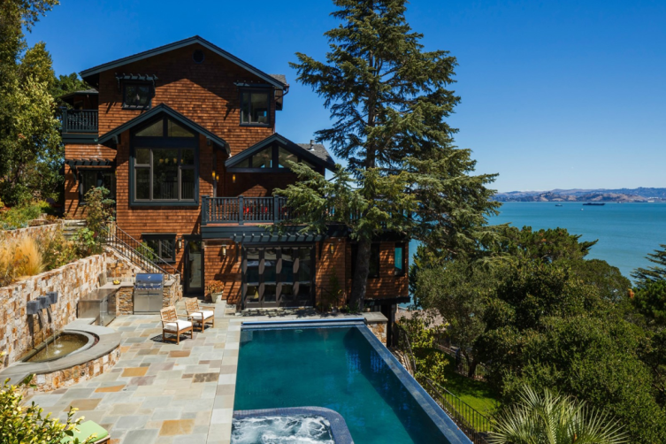 Sotheby's International Realty: Paradise Cove Residence