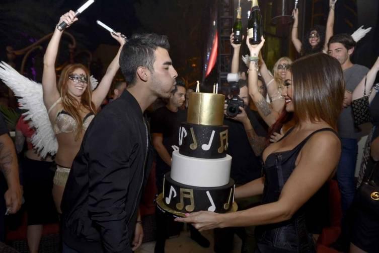 XS - Joe Jonas 25th birthday 3
