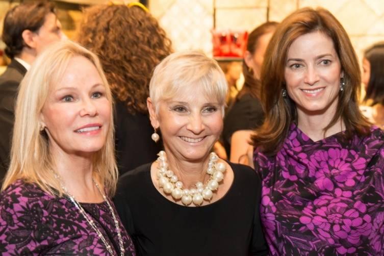 Guest, Gail Glasser, Carol Bonnie