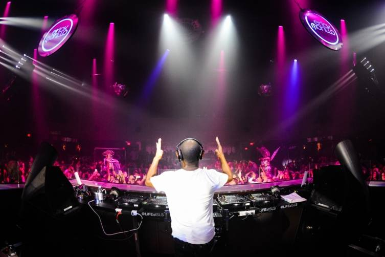 DJ Erick Morillo returned to LiFE Nightclub for his official residency _Powers Imagery