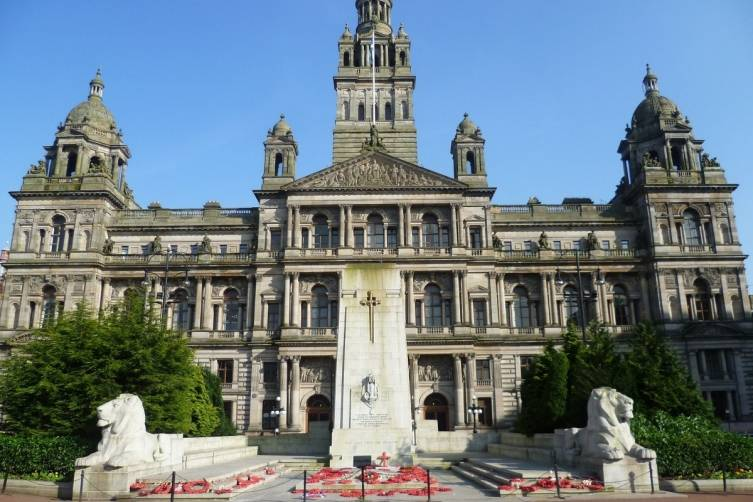 Glasgow_City_Chambers_and_War_Memorial