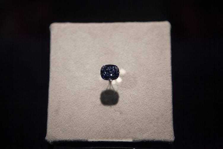 Blue Moon Diamond on display at the NHM