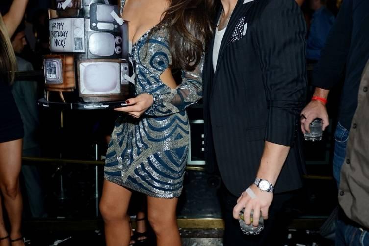 Nick Jonas and Olivia Culpo_Birthday Cake 4_Hakkasan LV Nightclub