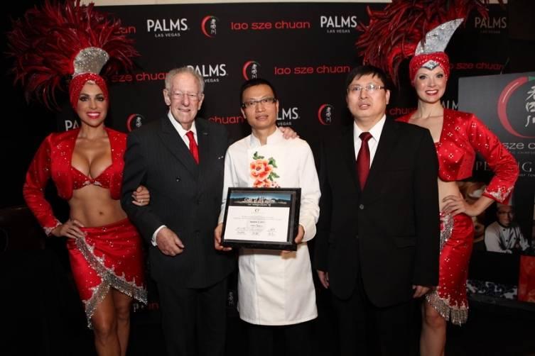 Oscar Goodman, Chef Tony Hu and Deputy Consul General of China Song Ruan all smiles at grand opening