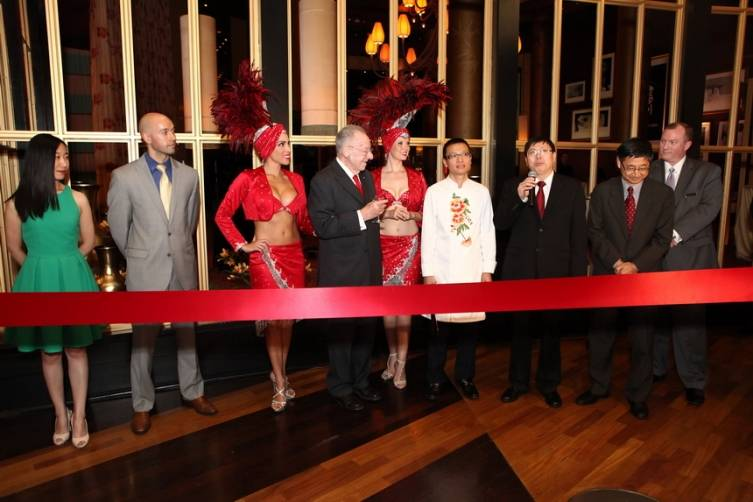 Ribbon cutting (Left to right) Seven Bai- Aaron Whitten -Oscar Goodman - Chef Tony Hu - Song Ruan - Jie Bu - Christopher Joy