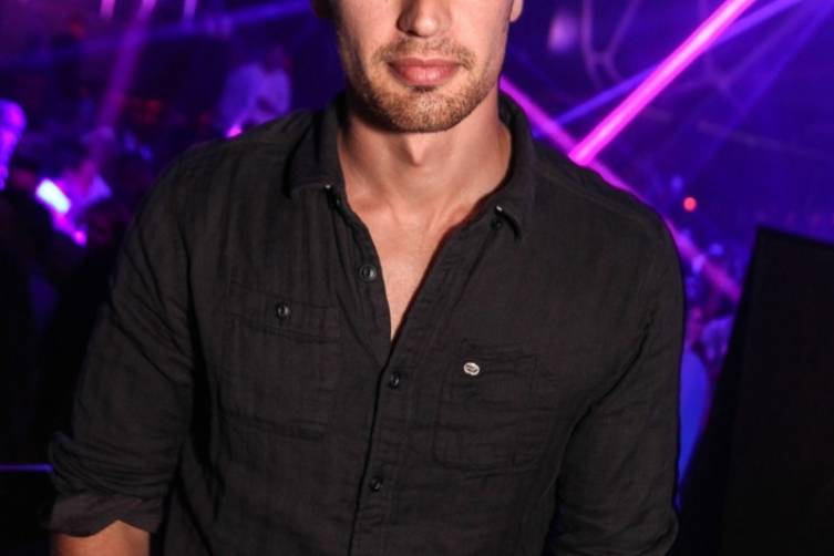 Theo James 2_Hakkasan Nightclub