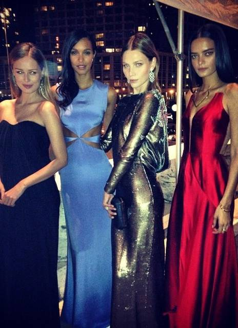 Models out for the night on Sobe