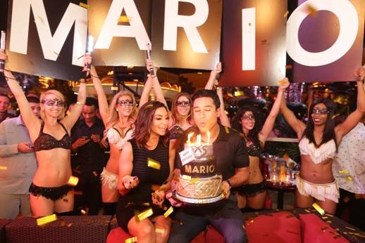 10.03.14 Mario Lopez blows out the candels on his birthday cake at XS Nightclub