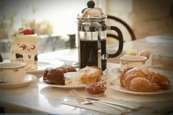 Coffee-and-Dessert-Santa-Monica-1