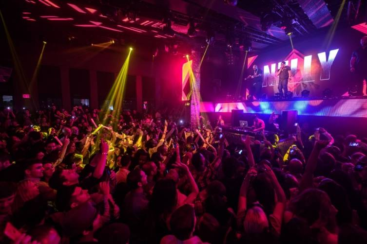 Nelly Hosts Worship Thursday at TAO