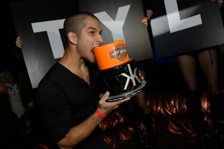 Tyler Posey_Birthday Cake 2_Hakkasan LV Nightclub