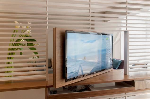 flat screen in bedroom