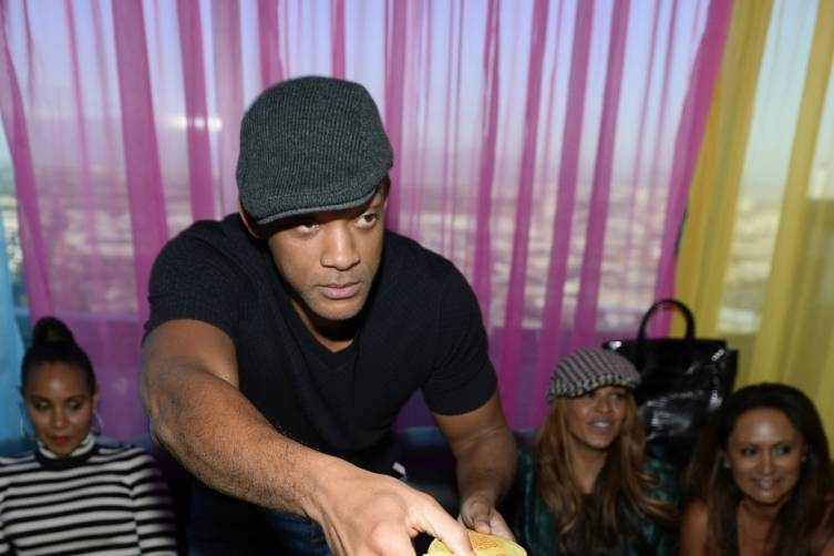 Will Smith Delivers Cheeseburgers to Party Goers. Photo: Bryan Steffy/WireImage)\