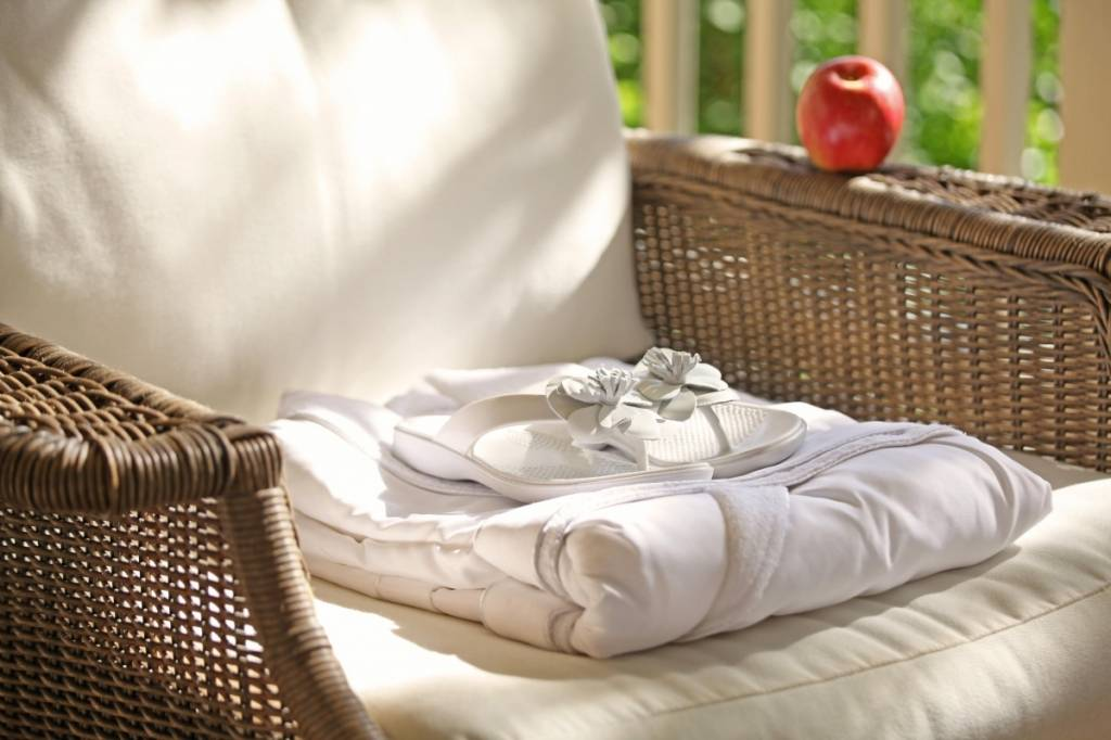 meadowood_spa_robe_sandals