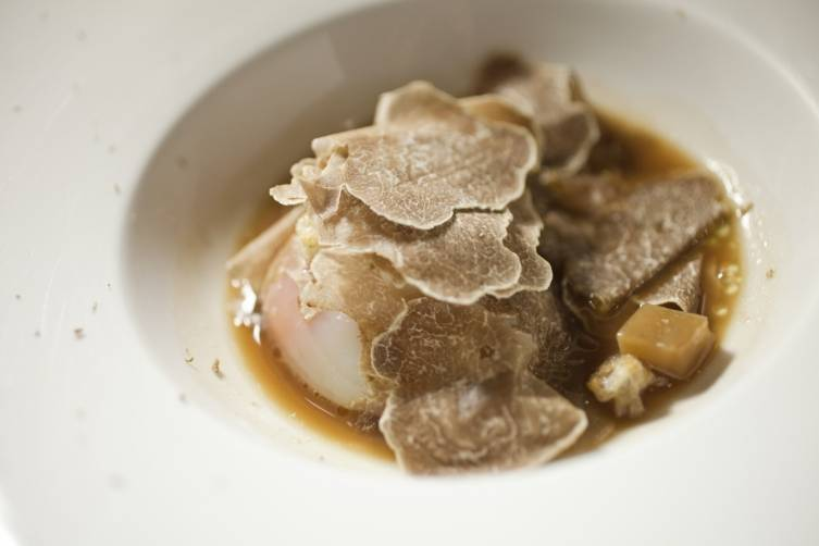 organic-egg-confit-mushroom-jus-jerusalem-artichoke-and-white-truffle-from-alba
