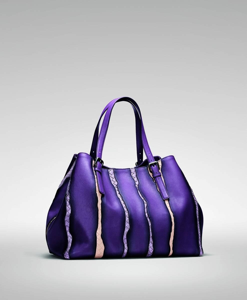 eaf319a393ce9 Exclusive size of Bottega Veneta's Intrecciato Nappa Glimmer Tote in  Monalisa launches in Qatar