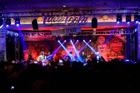 12.6.14 Clay Walker Performs at the Gold Buckle Zone at MGM Grand 02 - Photo by Bryan Steffy