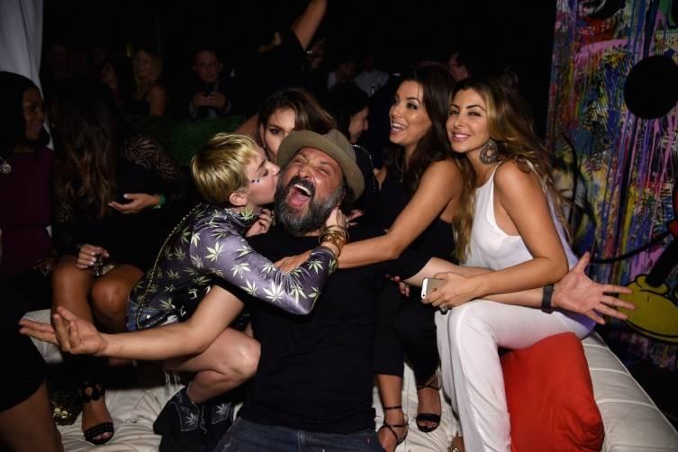 Miley Embraces Brainwash with Loren Ridinger and Eva Longroia