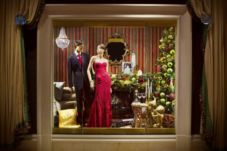 Retail-Kahn+Brioni Window-Jeff Green