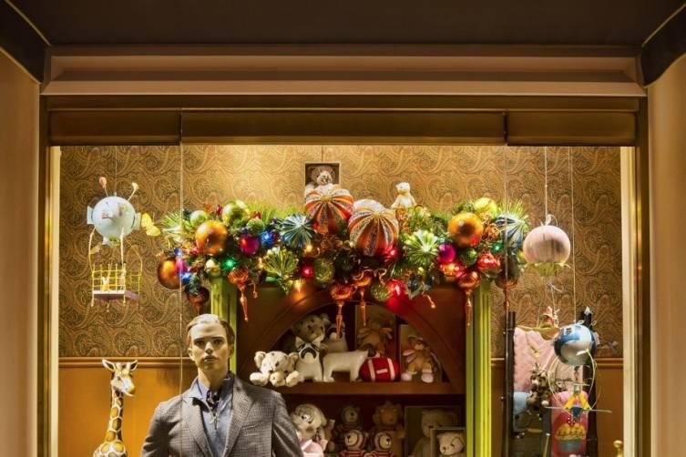 Retail-Zegna Window-Jeff Green